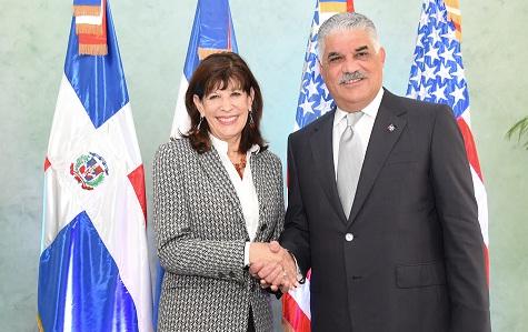 R.Dominicana suscribe memorando de entendimiento con EEUU