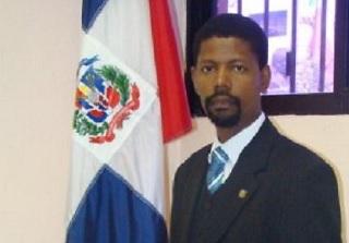 Periodista Pastor Vásquez Frías gana el Premio Nacional de Historia