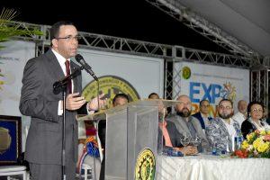 Ministro de Educación asegura nueva escuela creará sociedad innovadores