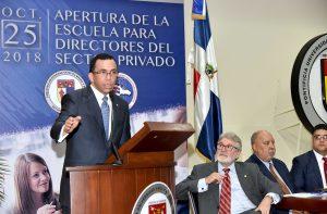 Ministro aboga romper «histórico» muro educación pública y privada