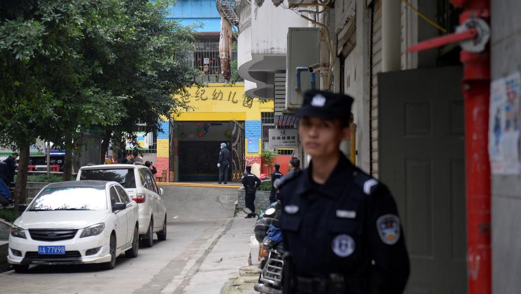 Mujer hiere a 14 niños en un kínder de China