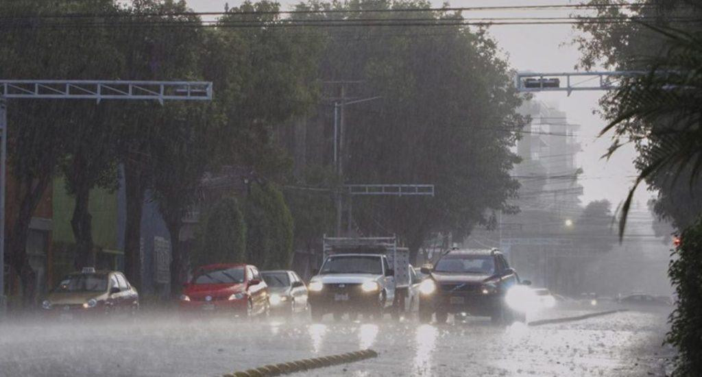 El COE mantiene la alerta por lluvias en 19 provincias, 5 en nivel amarillo