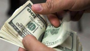 Dólar sigue en alza en R.Dominicana; se aproxima a los 53 pesos por uno