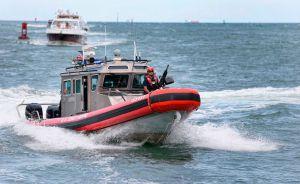 Una avioneta cae al agua cerca de la costa de Long Island
