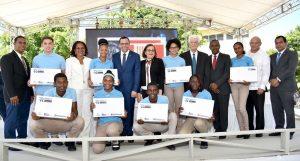 Minerd inicia «República Digital» en escuelas secundarias de Peravia