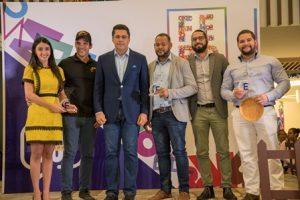 Premian ganadores VI Feria de Emprendedores