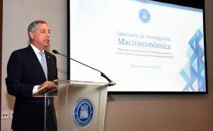 Ministro de Hacienda destaca valor disciplina fiscal del gobierno