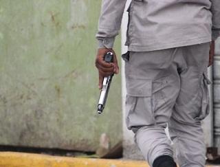 SANTIAGO: PN mata hombre que tenía a tres personas secuestradas