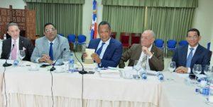 Comisión estudia Presupuesto escucha la posición de FENABANCA