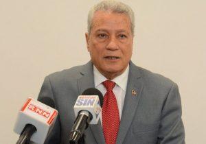 Ministro de Industria fustiga a dirigentes FENATRADO por haber hecho llamado