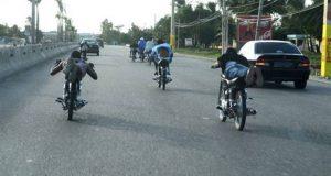 MOPC detendrá motoristas circulen vía contraria y participen en carreras