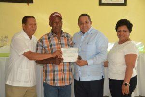 Productores de Baiguá recibieron más de 16 millones de pesos en el 2018