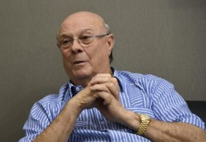 Hipólito dice Antonio Guzmán le inspiraa seguir lucha por democracia