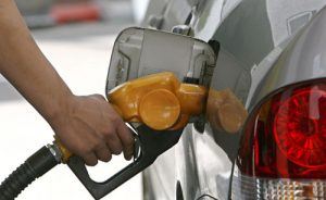 Rebajan precios de combustibles por onceava semana consecutiva