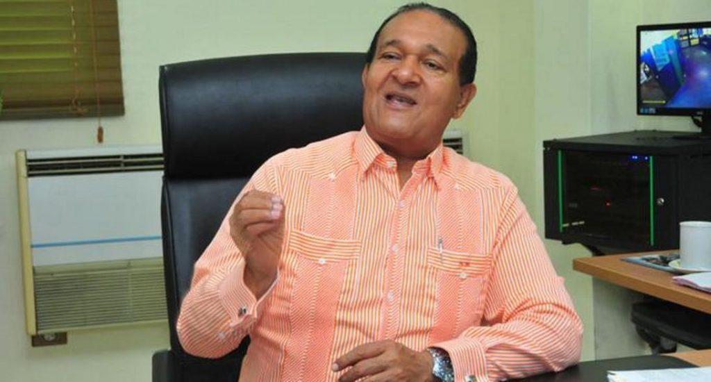 Presidente de CONATRA prohíbe a sus choferes transportar haitianos en RD