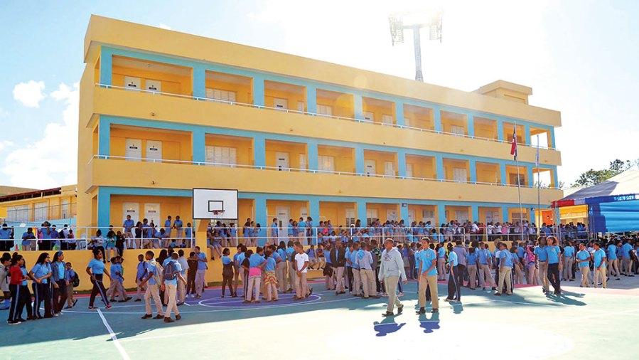 BM aprueba 100 millones de dólares a la RD para mejorar la educación