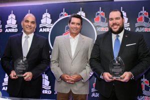 Asociación de Navieros reconoce a directores de Aduanas y Portuaria