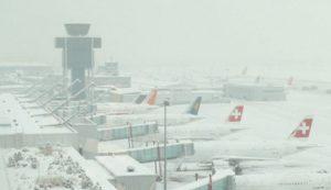 EEUU: Cinco muertos y más de un millar de vuelos cancelados por tormenta