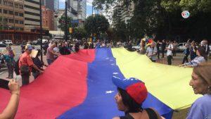 VENEZUELA: La oposición tomó las calles para pedir por la ayuda humanitaria