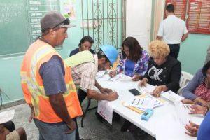 Gobierno dominicano inicia pago de bono navideño a trabajadores portuarios