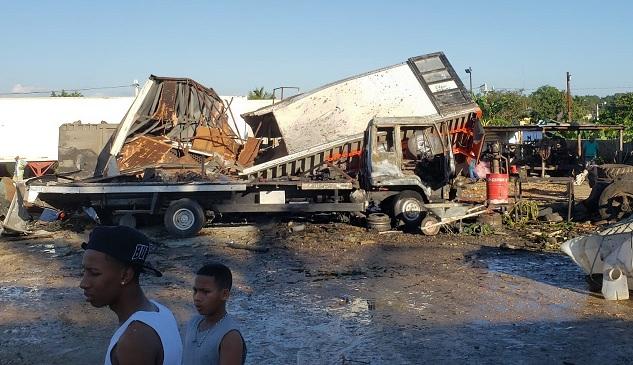 Un muerto, cinco heridos durante la  explosión de fábrica en Manoguayabo