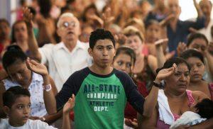 Miles de migrantes esperan en la frontera sur entrar legalmente a México