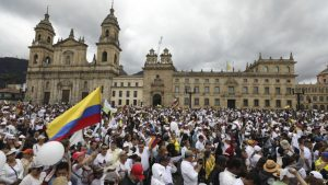 CARACAS: Miles de colombianos salen a las calles para condenar violencia