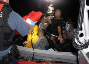 PUERTO RICO: Guardia costera repatría a 20 inmigrantes dominicanos