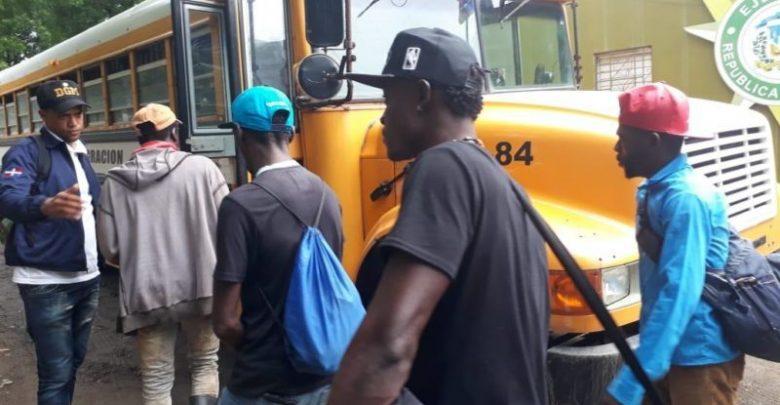 Migración detiene a 552 haitianos y a otros doscientos extranjeros indocumentados