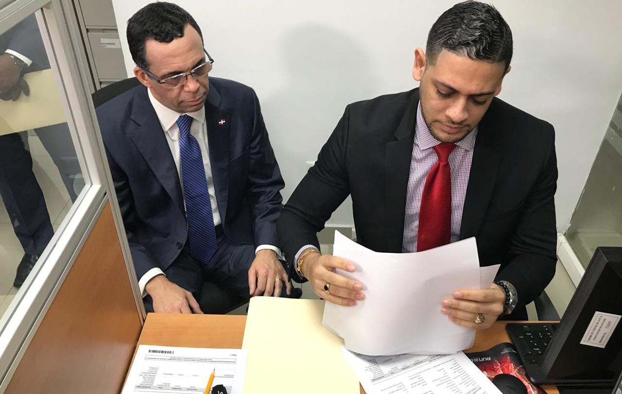 Andrés Navarro solicita a Cámara de Cuentas que audite sus gestiones