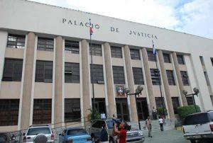 Dictan medidas de coerción a nueve de diez acusados de millonario fraude fiscal