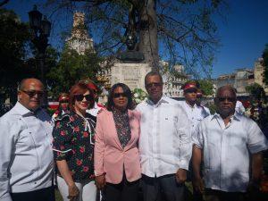 CUBA: Embajador RD deposita ofrenda floral ante el busto de Duarte