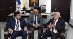 Presidente diputados RD recibe visita encargado negocios embajada Qatar