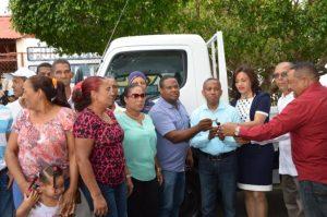 AZUA: El FEDA respalda productores de tabaco de Tábara Arriba