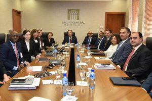 Misión del FMI analiza con autoridades comportamiento economía de la RD