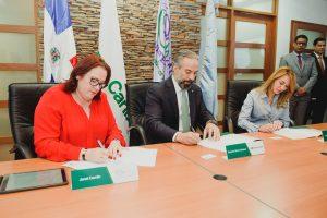 Banco Caribe firma carta compromiso con el Ministerio de la Mujer y PNUD