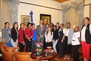 Peralta llama servidores públicos emular transparencia presidente Danilo Medina