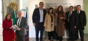 ITALIA: Embajadora de la RD gestiona acuerdos para beneficiar a estudiantes