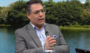 Selman cree crecimiento económico es por elevado gasto público