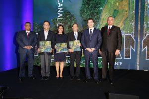 Filial panameña de Grupo Popular publica libro sobre Canal de Panamá