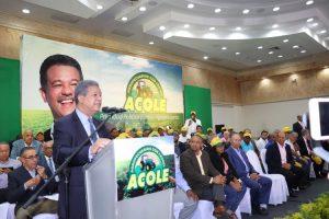 Leonel dice si gana elecciones daría prioridad al sector agropecuario de RD
