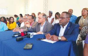 Centrales abandonan diálogo de salarios; denuncian «confabulación»