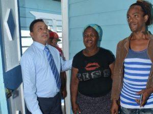 INVI construye viviendas a familias afectadas por incendio en Guachupita