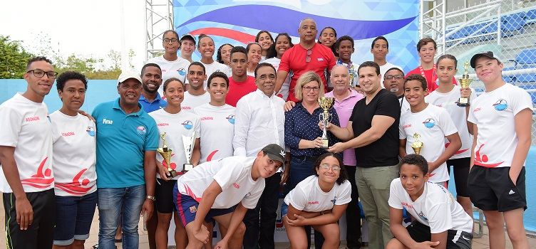 Distrito Nacional gana el Dominican International Swin Open
