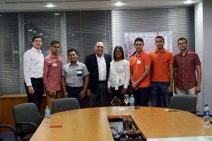 Adozonareúne estudiantes y líderes del sector logístico de RD