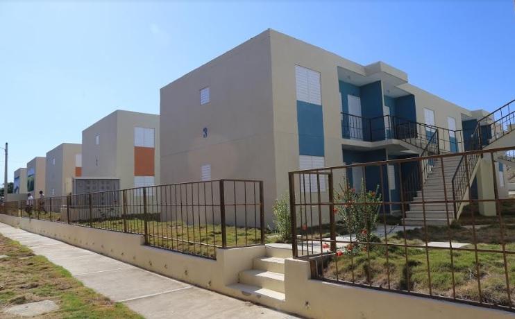 MONTECRISTI: Presidente entrega nuevo proyecto habitacional para 64 familias