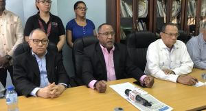Centrales sindicales llaman a marchar por cesantía y aumento salarial