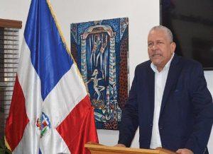 MIAMI: Ponen circular libro Migraciones, nacionalidad y soberanía en consulado RD
