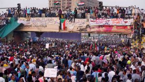 SUDAN: El Ejército depone presidente Al Bashir y asume poder por dos años