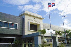 Ministerio de Hacienda dispone a dueños de bancas acuerdos de pago